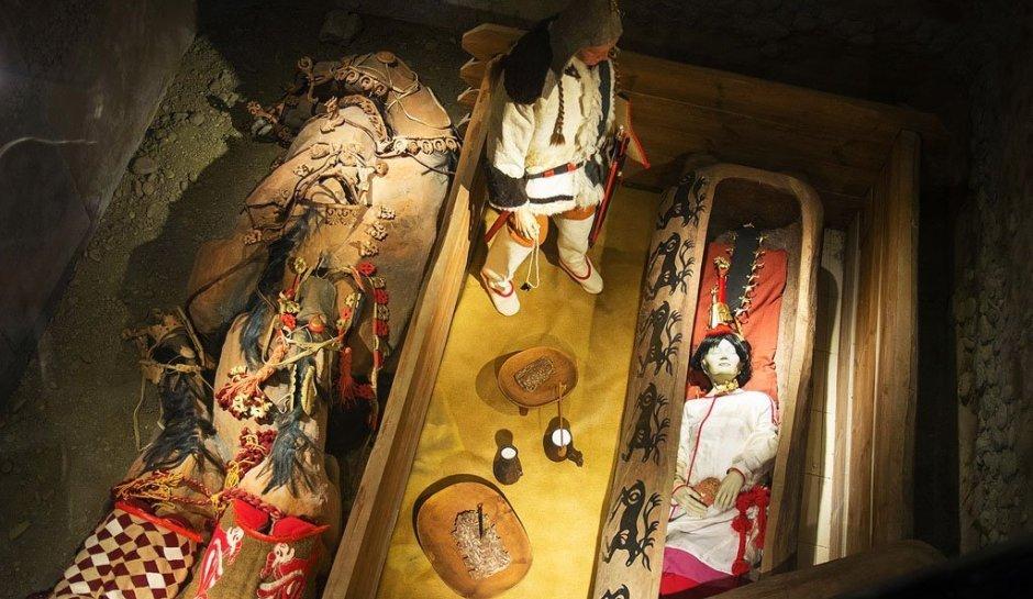 Үкөк ханшайымның мумияланған денесі  терісіне дейін сақталған