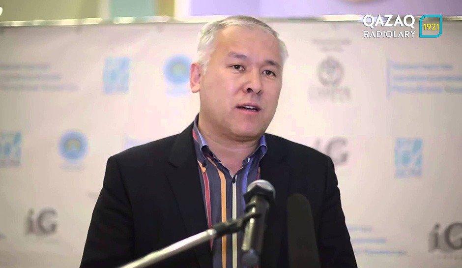 Мұрат Әбенов журналистерді сауатты болуға шақырды