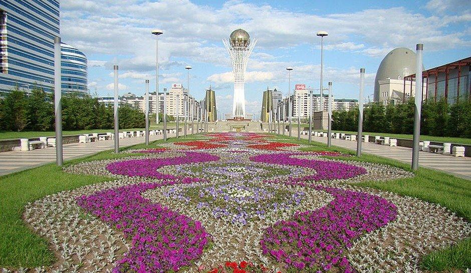 Астана гүлдене түспек